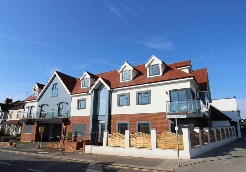 3 Bedrooms Apartment Flat for rent in Leigh on Sea
