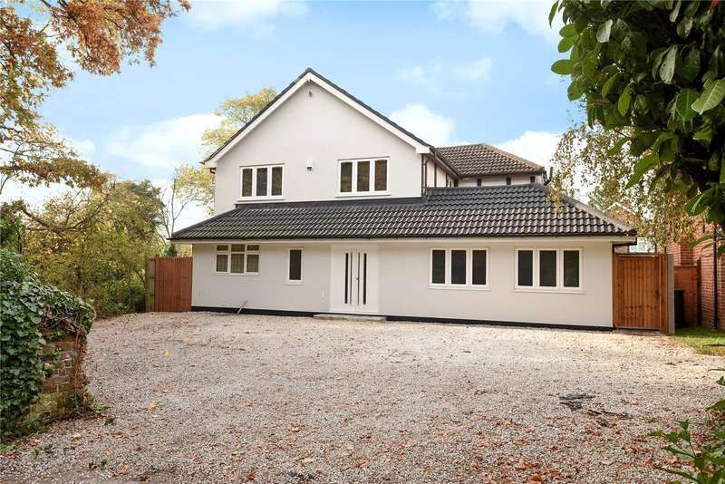 4 Bedrooms Detached House for sale in Ducks Hill Road, Northwood, Middlesex, HA6