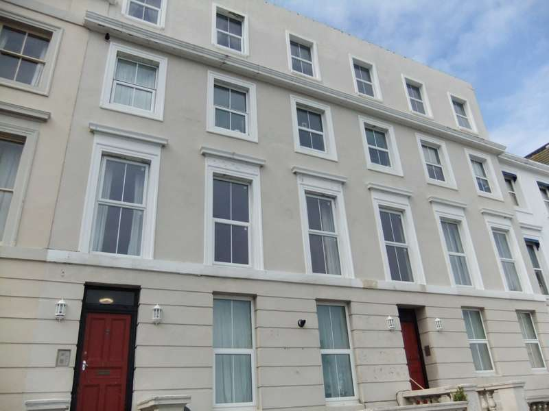 1 Bedroom Flat for rent in Undercliff, St Leonards On Sea, TN38