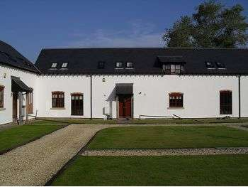 4 Bedrooms Barn Conversion Character Property for rent in Cotton Hall Barns, Middlewich Road, Holmes Chapel, CW4 7ET