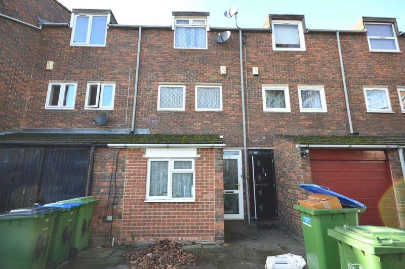 4 Bedrooms Town House for sale in Woolf Close, Thamesmead