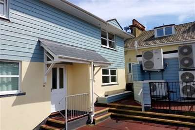 2 Bedrooms Link Detached House for rent in Torbay Road, Paignton