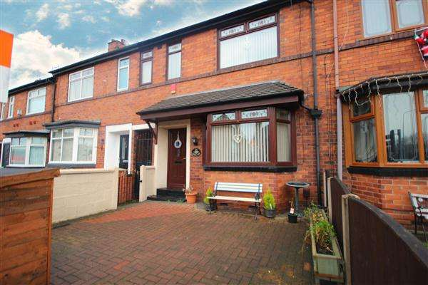 3 Bedrooms Town House for sale in Victoria Place, Fenton, Stoke-on-Trent