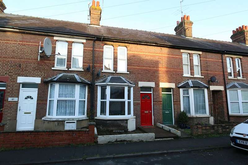 3 Bedrooms Terraced House for sale in Higham Road, Chesham, Buckinghamshire, HP5 2AF