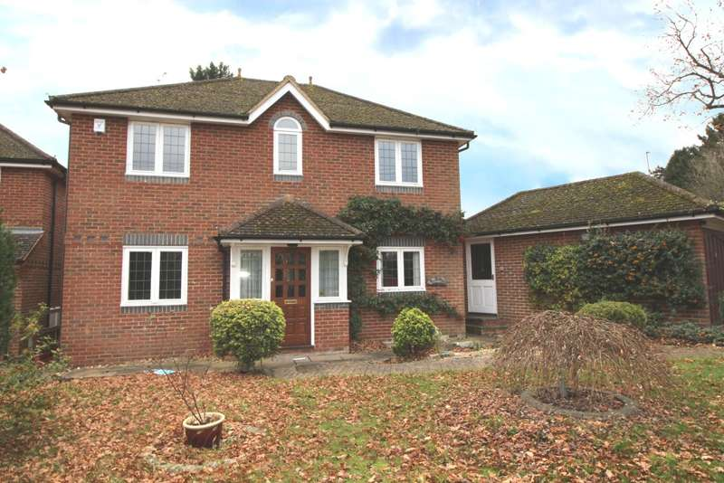 4 Bedrooms Detached House for sale in Wood Lane, Sonning Common, RG4