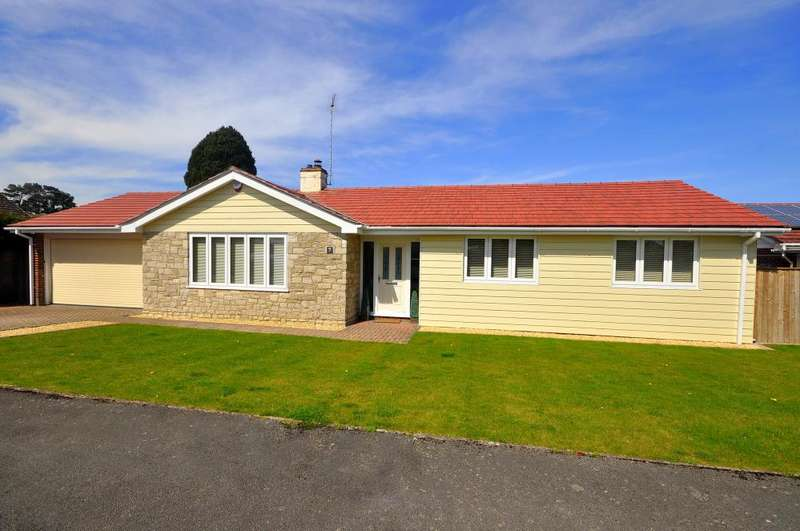 4 Bedrooms Detached Bungalow for sale in St Leonards, Ringwood, BH24 2NB