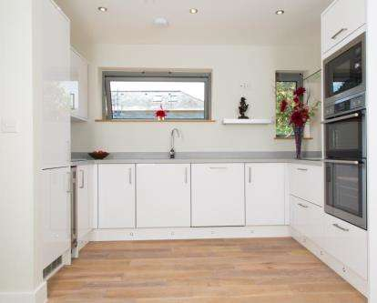 4 Bedrooms Detached House for sale in Mullion, Helston, Cornwall