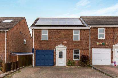 4 Bedrooms End Of Terrace House for sale in Warsash, Southampton, Hampshire