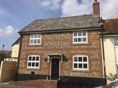 3 Bedrooms Semi Detached House for sale in Chickerell, Weymouth, Dorset