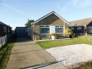 3 Bedrooms Bungalow for sale in Leonard Road, Greatstone, Romney Marsh, Kent
