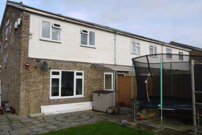 3 Bedrooms End Of Terrace House for sale in Viscount Court, Eaton Socon, St. Neots, Cambridgeshire