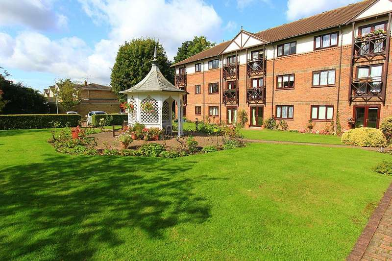 1 Bedroom Apartment Flat for sale in Ravenscourt, Sawyers Hall Lane, Brentwood, Essex, CM15 9BE