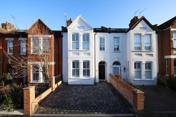 5 Bedrooms Terraced House for sale in Heathwood Gardens London SE7