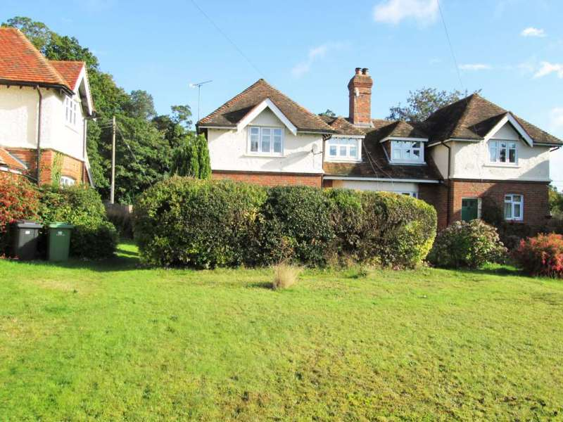 3 Bedrooms Semi Detached House for rent in Stockcross, Stockcross