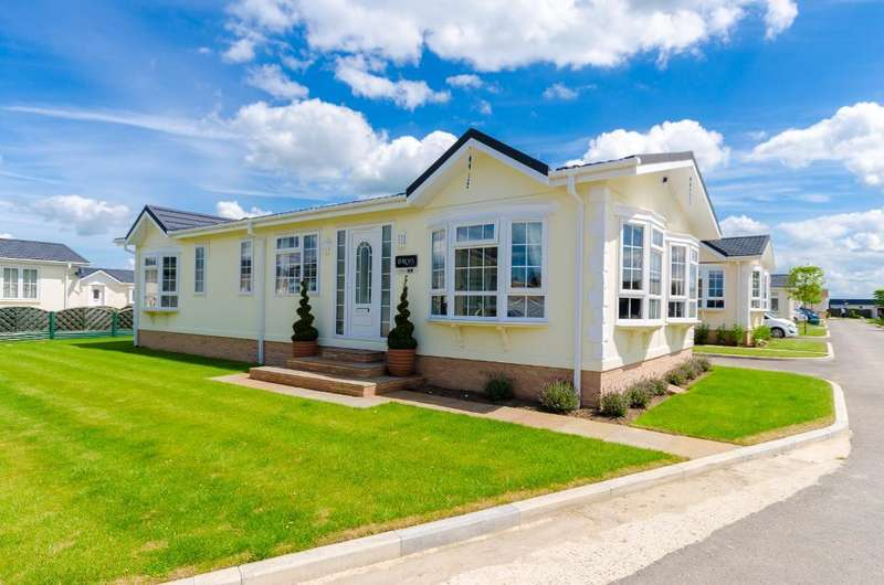 2 Bedrooms Park Home Mobile Home for sale in Torksey Lock, Lincoln, Lincolnshire, LN1 2EL