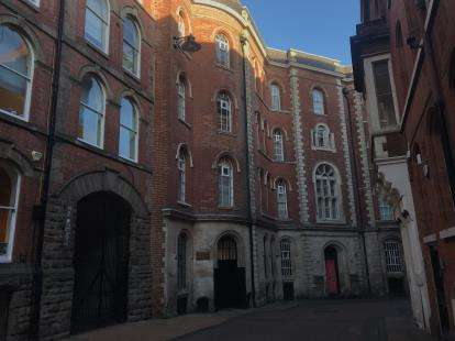 2 Bedrooms Flat for sale in The Establishment, 3 Broadway, Nottingham, Nottinghamshire