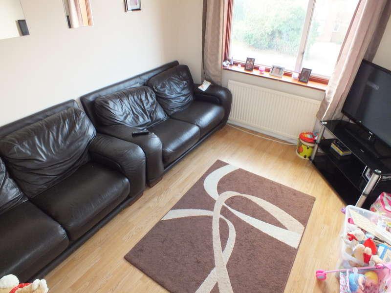 2 Bedrooms Flat for rent in Kentwood Hill, Tilehurst, Reading