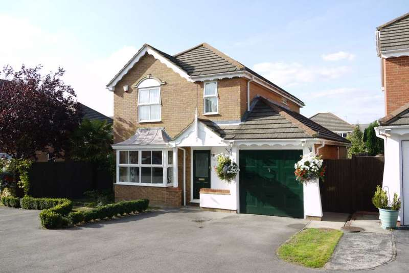 4 Bedrooms Detached House for sale in Skelton Fields, Quelm Park