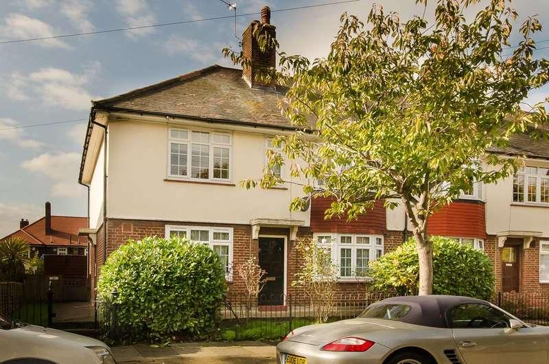 2 Bedrooms Flat for sale in Godley Road, Earlsfield, SW18