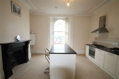 3 Bedrooms Flat for rent in Molesworth Road, Stoke, Plymouth