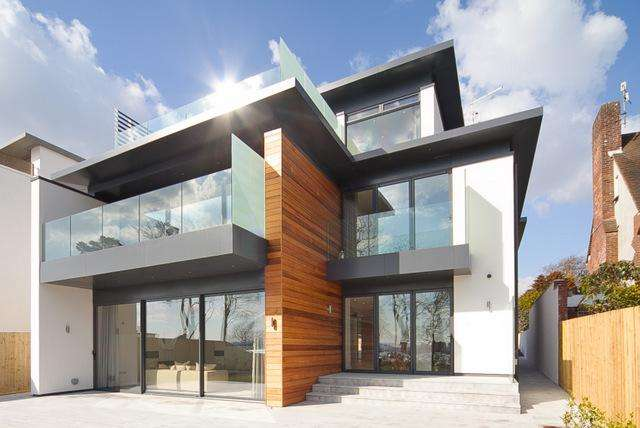 4 Bedrooms Detached House for sale in Elms Avenue, Lilliput BH14