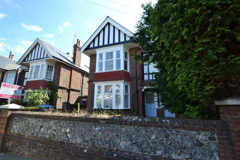 3 Bedrooms Flat for sale in Shakespeare Road, Worthing, BN11 4AS
