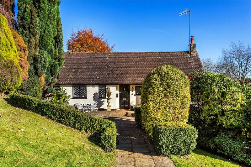 4 Bedrooms Detached House for sale in Dome Hill Peak, Caterham, Surrey, CR3