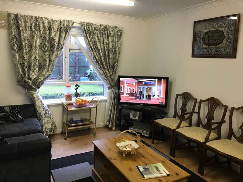 5 Bedrooms Terraced House for rent in Cross Place, Cardiff, CF14 3AQ