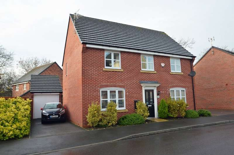 4 Bedrooms Detached House for sale in Teeswater Close, Long Lawford, Rugby