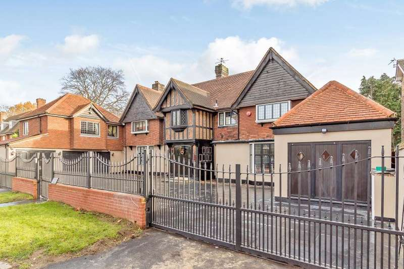 6 Bedrooms Detached House for sale in Stoke Road, Coombe, Kingston upon Thames KT2