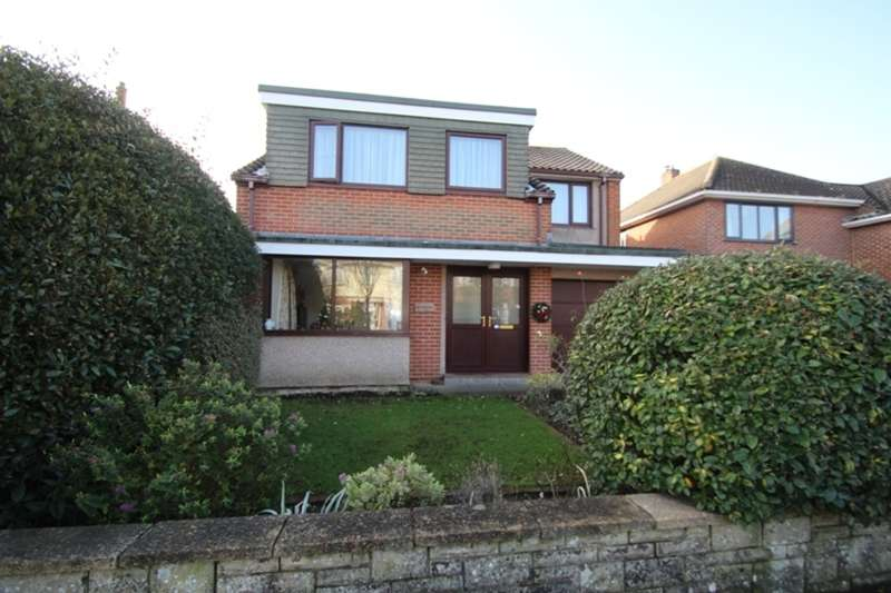 5 Bedrooms Detached House for sale in HENGISTBURY HEAD