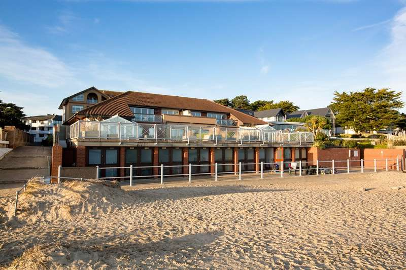 4 Bedrooms Apartment Flat for sale in Carina Court, 137-139 Banks Road, Sandbanks, Poole, BH13