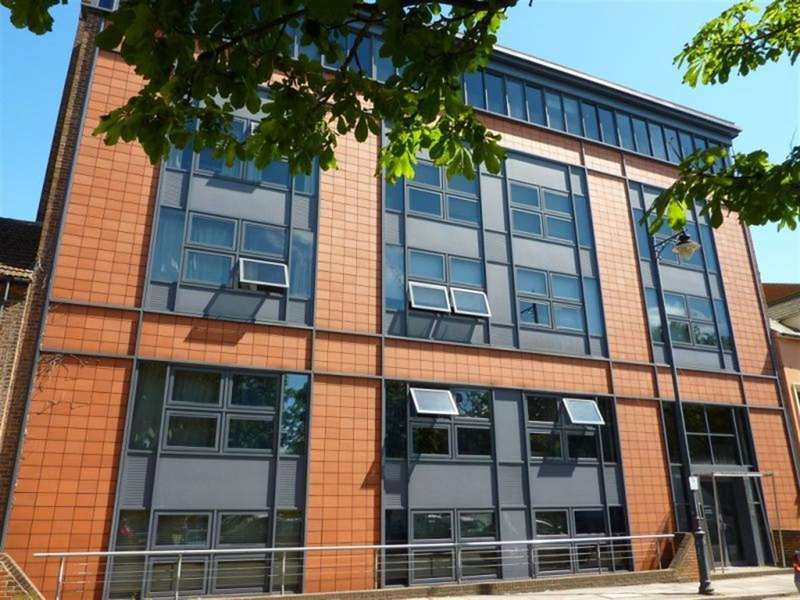 2 Bedrooms Flat for sale in Station Road West, Canterbury
