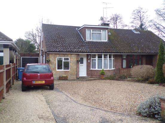 3 Bedrooms Bungalow for sale in Church Crookham, Fleet, Hampshire