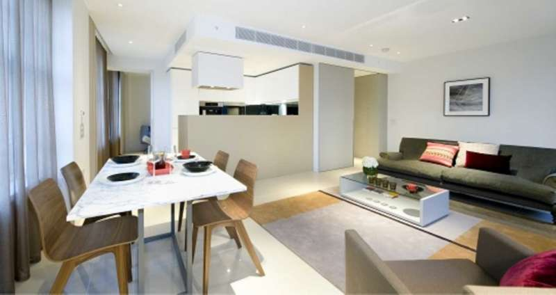 3 Bedrooms Flat for rent in Sherwood Street, London