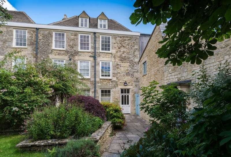 2 Bedrooms Flat for rent in The Counting House, Tetbury