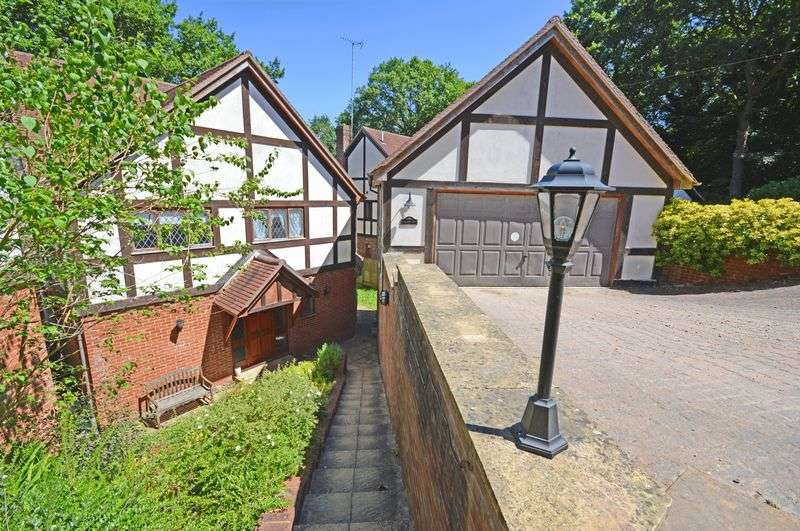 5 Bedrooms Property for sale in Valewood Lane Grayshott, Hindhead