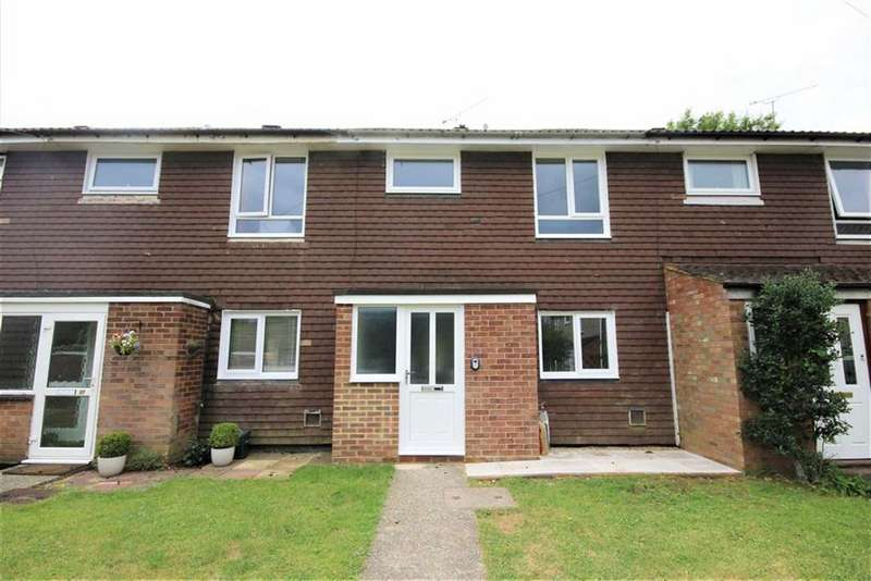 3 Bedrooms Terraced House for sale in Arthur Close, Farnham