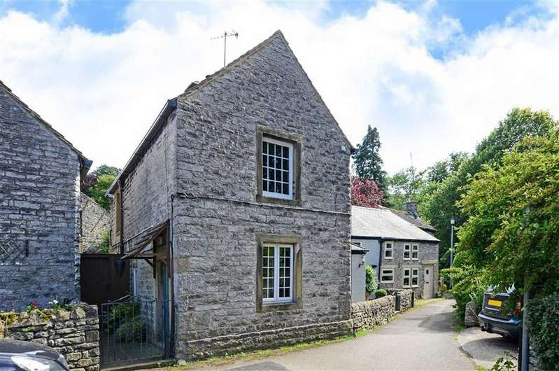 2 Bedrooms End Of Terrace House for sale in Mill Leat, The Island, Castleton, Hope Valley, Derbyshire, S33