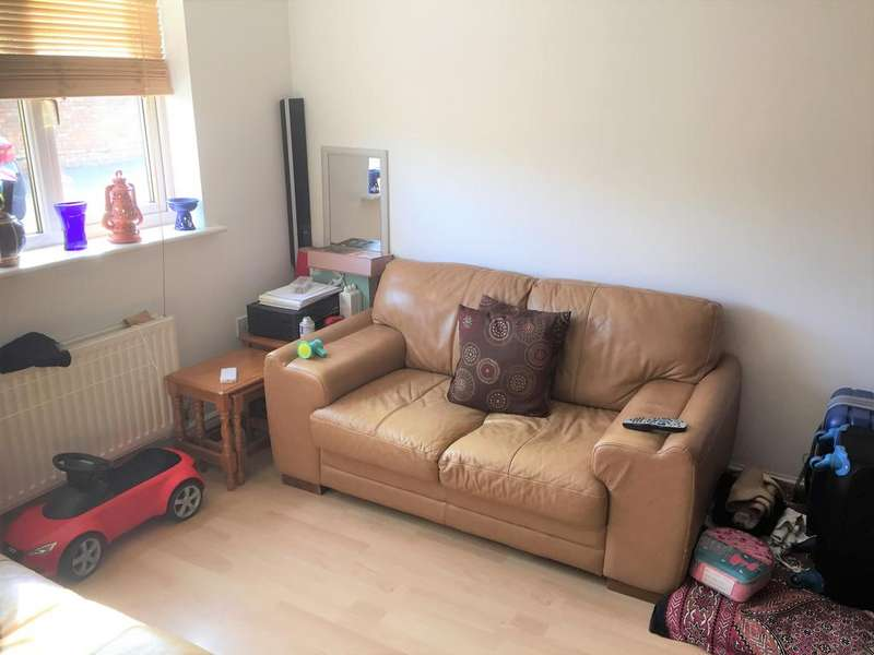 3 Bedrooms House for rent in HORNSCROFT CLOSE IG11