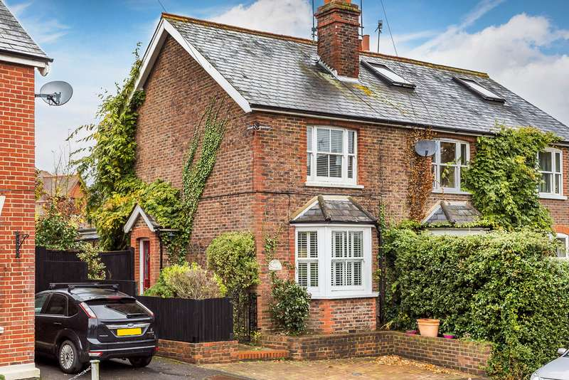 3 Bedrooms Semi Detached House for rent in Lingfield, Surrey, RH7 6DW