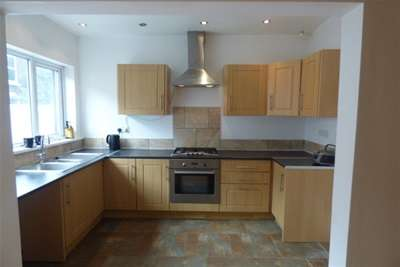 3 Bedrooms House for rent in Sark Road, L13