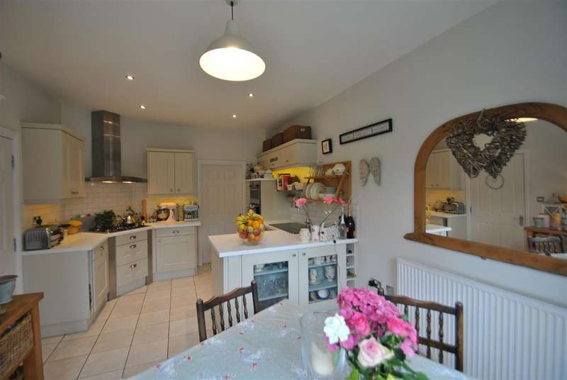 5 Bedrooms Town House for sale in Stansfield Drive, GRAPPENHALL HEYS, Warrington, WA4