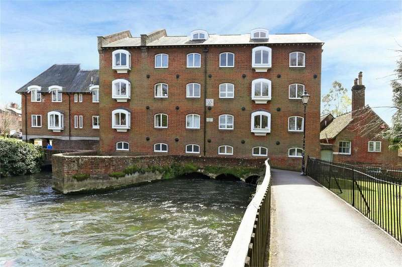 2 Bedrooms Flat for sale in Wharf Hill, Winchester, Hampshire