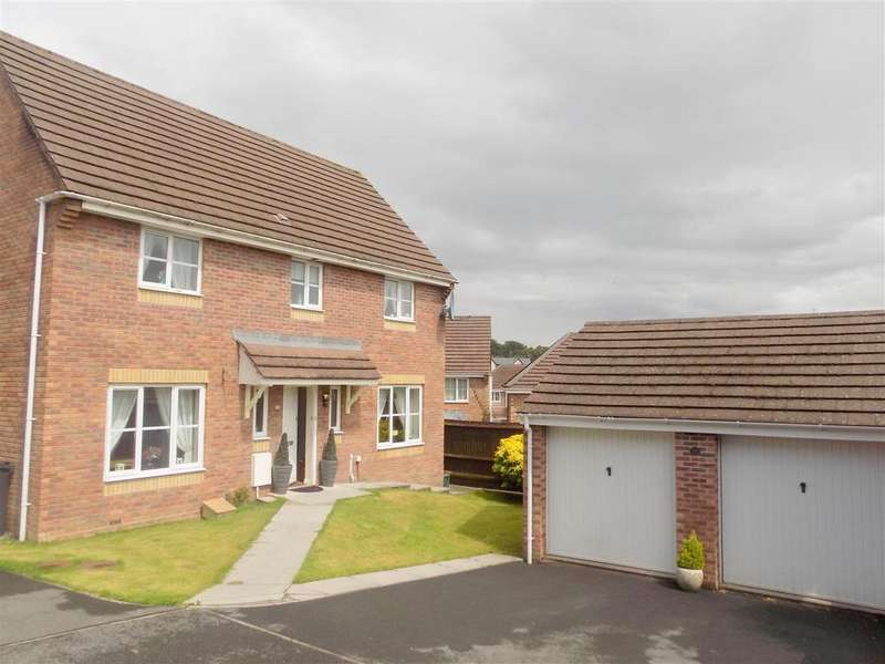 4 Bedrooms Detached House for sale in Royston Court, Neath