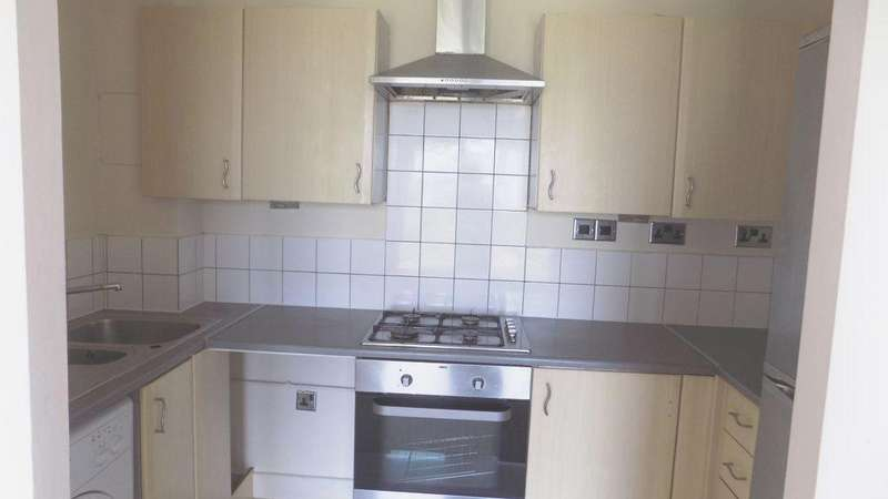 2 Bedrooms Flat for sale in Tideslea Path, Merbury Close, Thamesmead, SE28