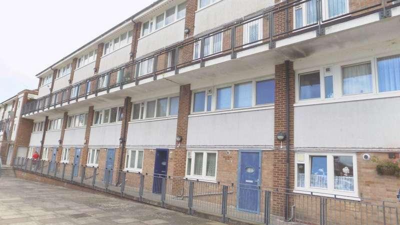 2 Bedrooms Maisonette Flat for sale in Villa Road, Woolwich, SE18