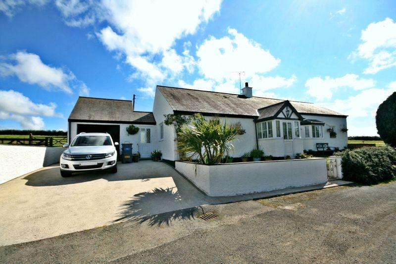 2 Bedrooms Cottage House for sale in Llanfachraeth, Anglesey