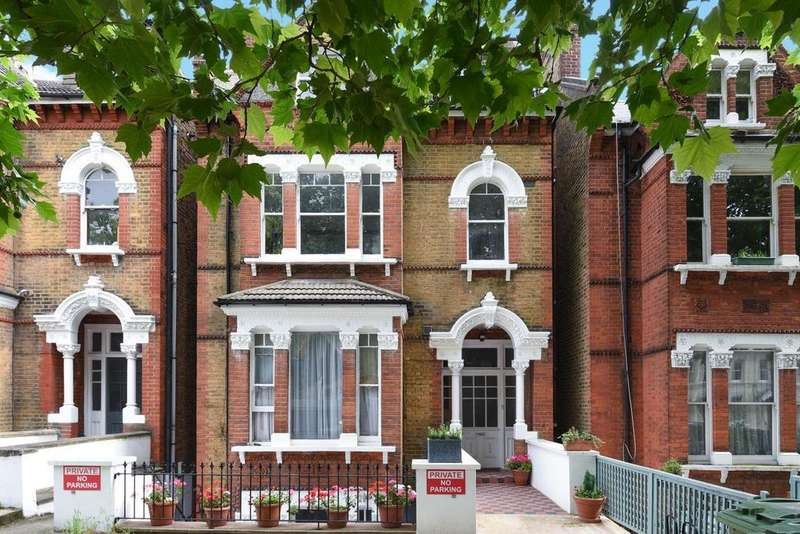1 Bedroom Flat for sale in Christchurch Road, Streatham