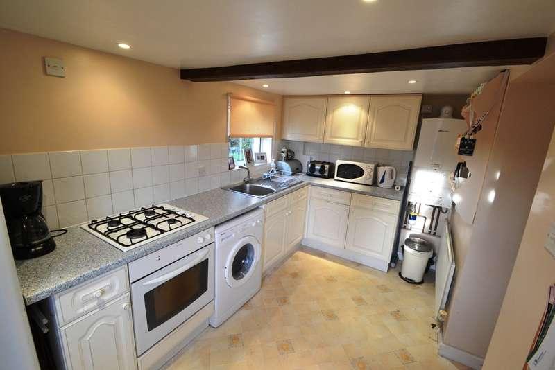 2 Bedrooms Semi Detached House for rent in Woodfalls